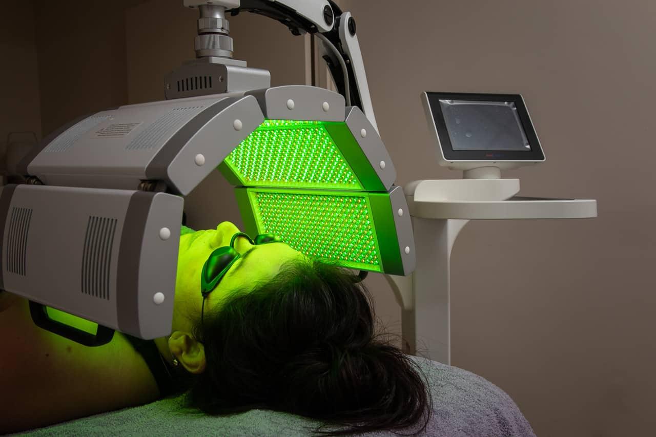Led Medical terapia facial | Elle est Belle centro belleza Platja d'Aro
