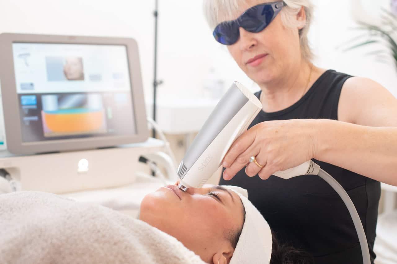 E-two rejuvenecimiento facial RF | Elle est Belle centro médico-estético Platja d'Aro
